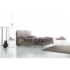 Felis Affleck ágy
