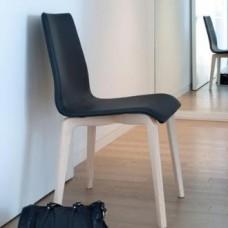 Domitalia Jude-l szék